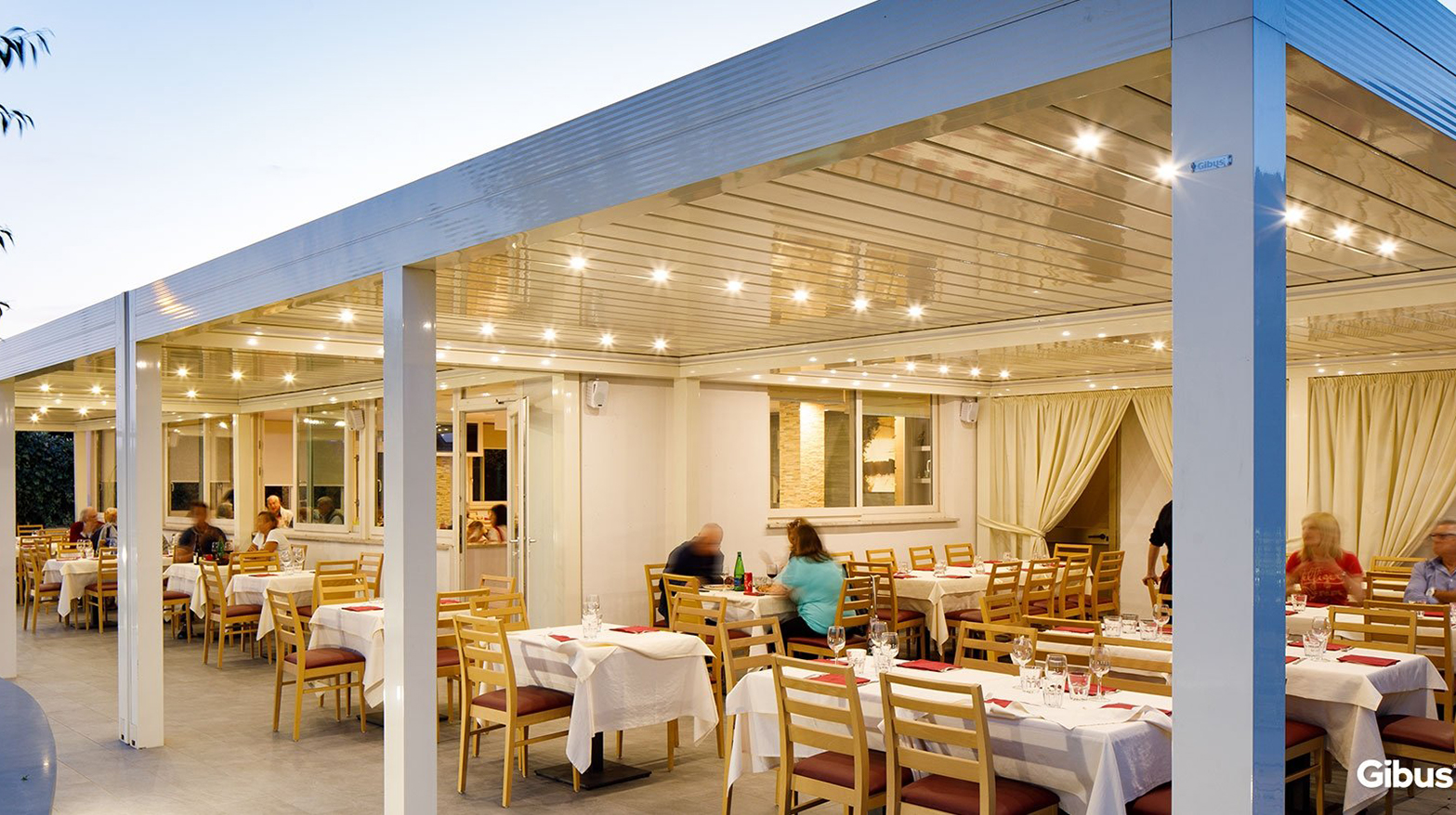 Gibus med systems used for outside dining